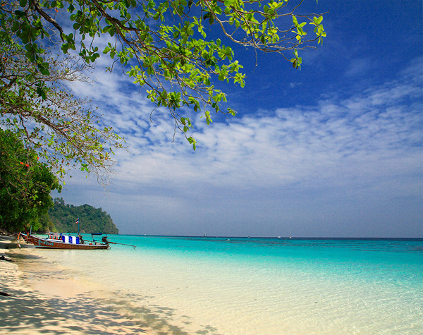 You are browsing images from the article: Koh Kra Dan